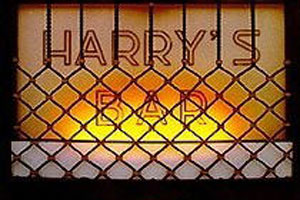 Harry's Bar in Venice Sign