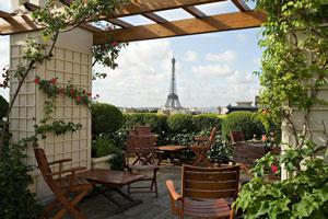 Outdoor Bar in Paris